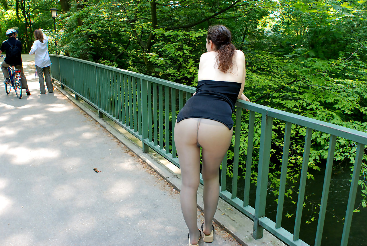 House Pantyhose 46
